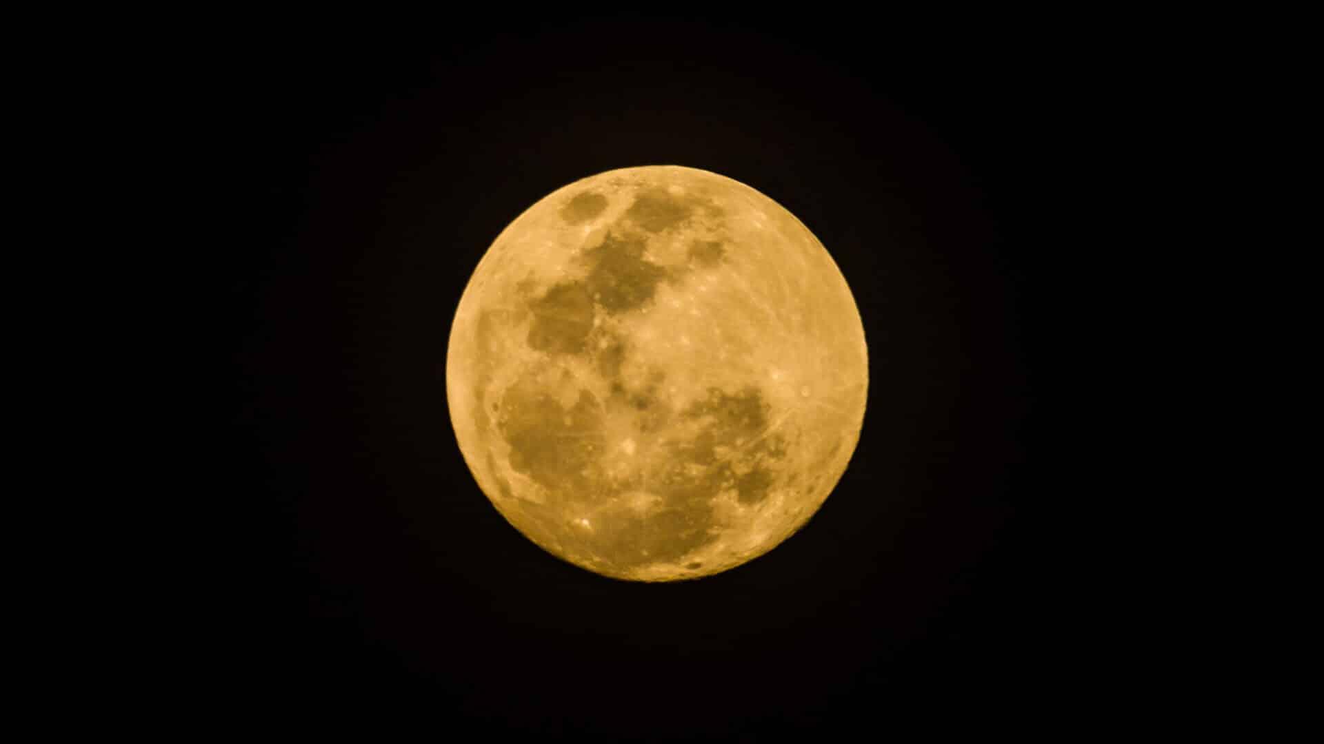 sturgeon full moon in aquarius Moon Omens August 2020